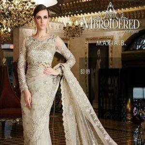 Dresses & Skirts - This gorgeous saree